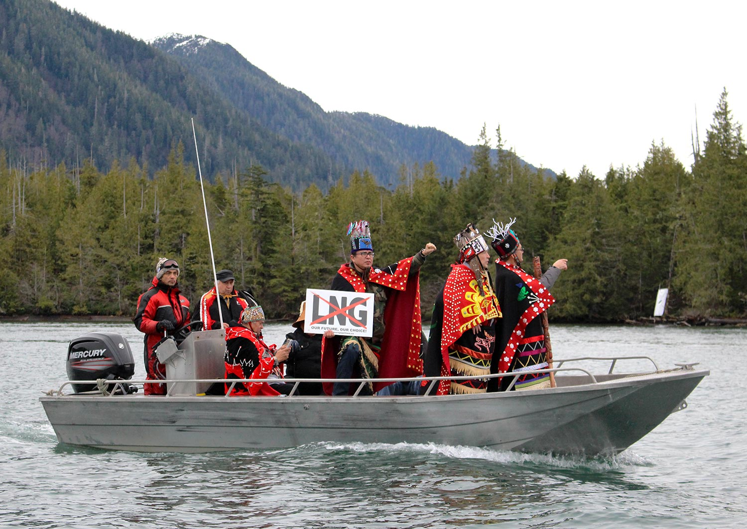 Wet'suwet'en leaders head to Lelu Island to show support